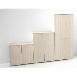 Les différentes tailles d'armoires, en finition Acacia