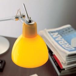 Détail du diffuseur jaune brillant, sur pied Argent
